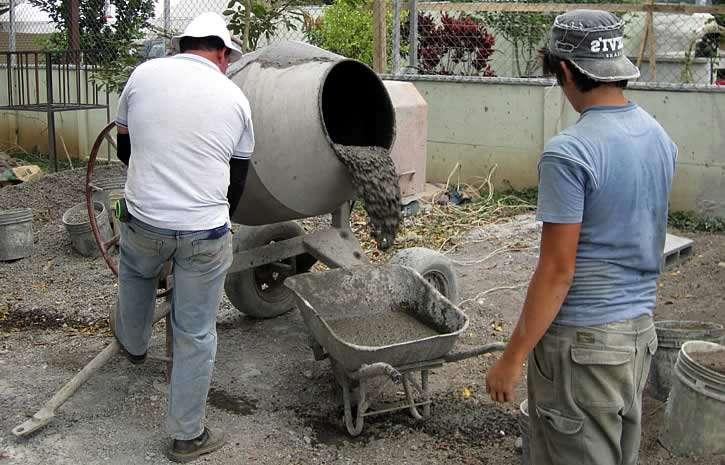 Как замесить большое количество бетона своими руками 54