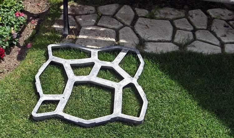 Форма для заливки бетонной дорожки