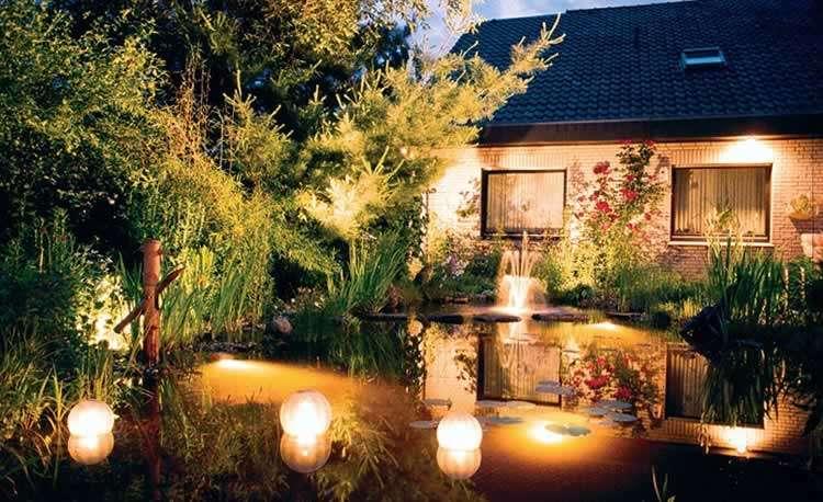 Освещение во дворе дома