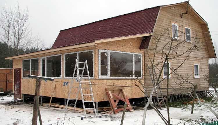 Как утеплить веранду для зимнего проживания: пол, потолок, стены