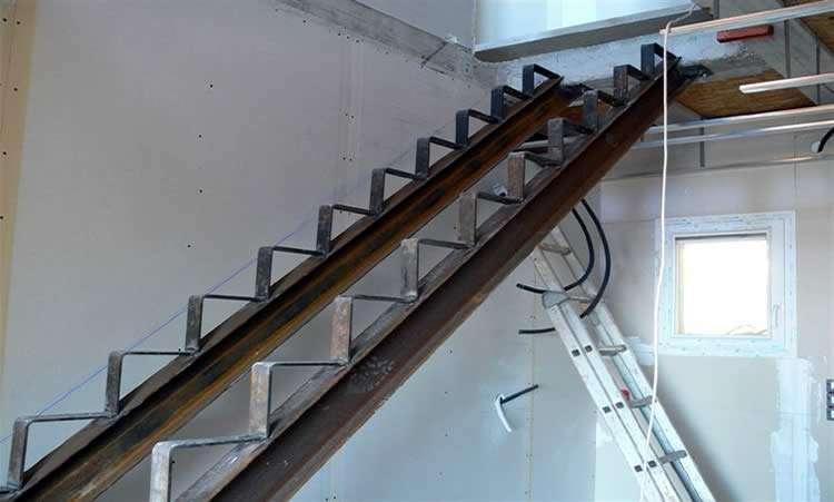 Лесенка на второй этаж