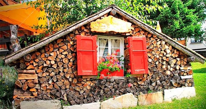 Укладка дров в виде домика