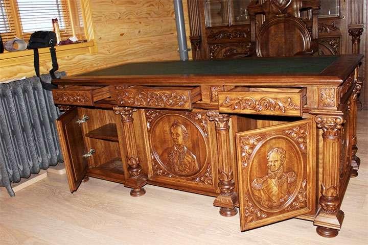 Прямоугольный стол-комод