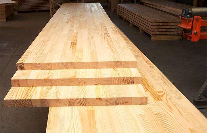 Клееный щит из хвойной древесины