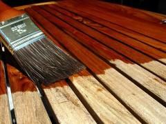 Особенности и виды пропиток для дерева от влаги и гниения