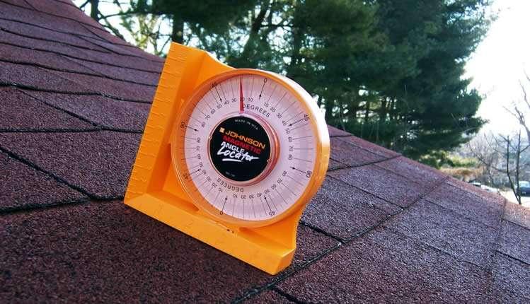 Измерение угола наклона крыши