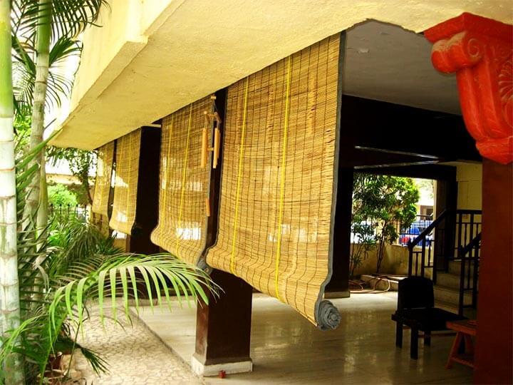 Бамбуковые шторы на веранде