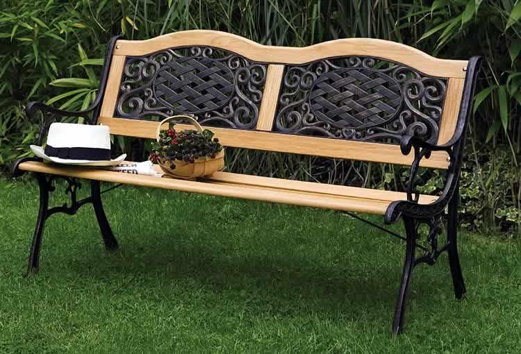 Комбинированная скамейка из дерева и металла