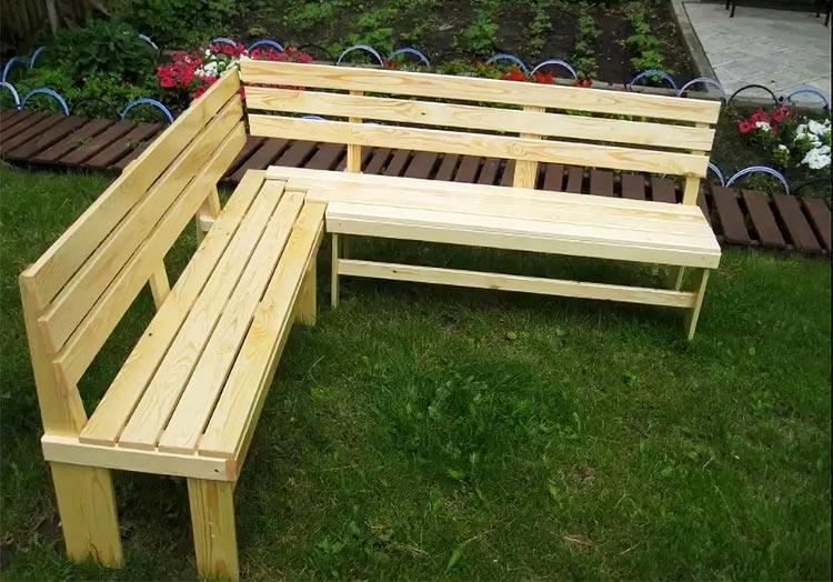 Угловая скамейка
