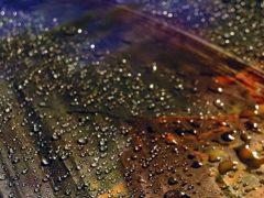 Как уберечь ткань от попадания воды или зачем нужна водоотталкивающая пропитка?