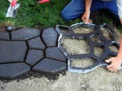 Делаем садовую дорожку при помощи формы