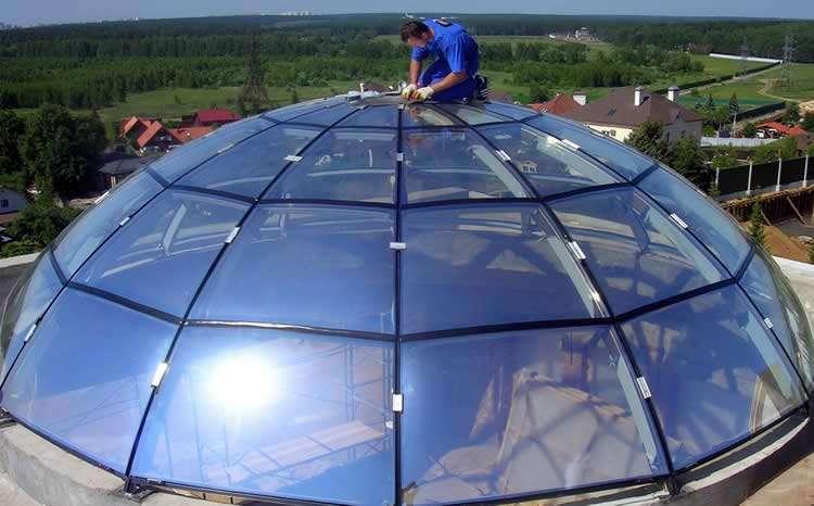 Беседка с прозрачной крышей