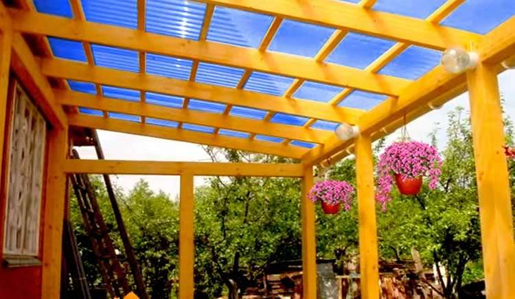 Крыша из сотового поликарбоната