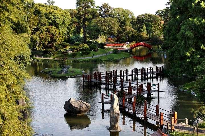 Река в японском саду