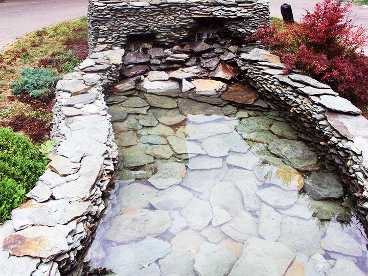 Декоративный водоём на садовом участке