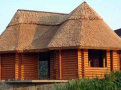 Соломенная крыша – оригинальная кровля из природных материалов