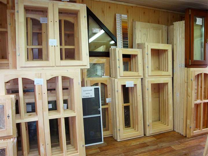 Выбор деревянного окна для веранды