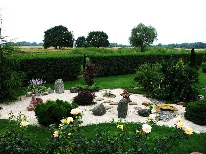 Садовая композиция в японском стиле