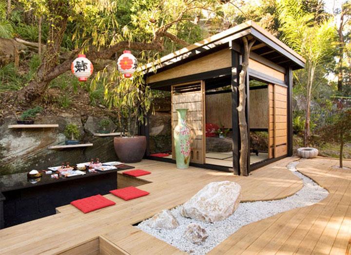 Внутренний двор в японском стиле