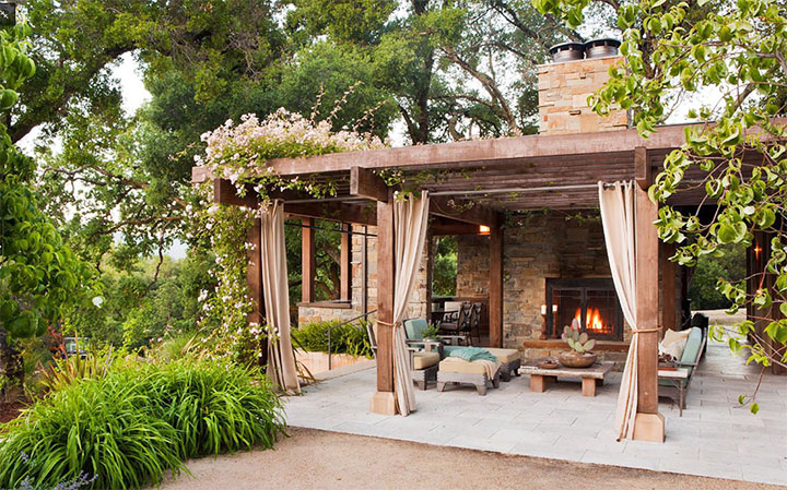 Патио в стиле шале