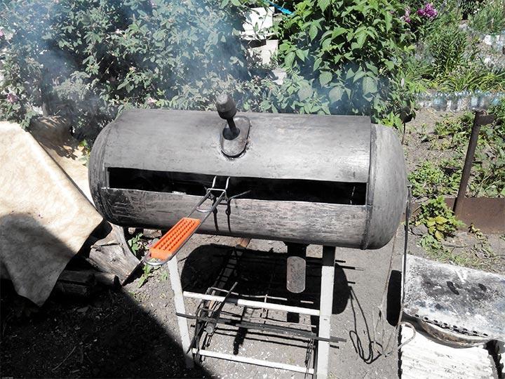 Приготовление мяса в мангале из баллона