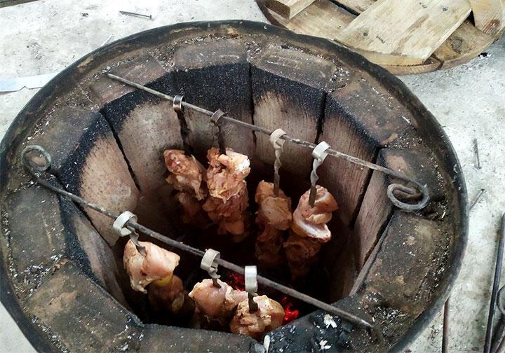 Приготовление шашлыка в тандыре