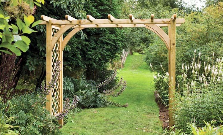 Деревянная арка пергола