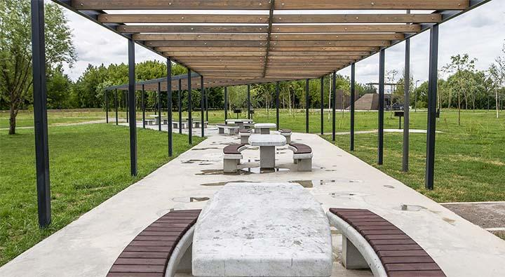 Длинный туннель для парковой зоны