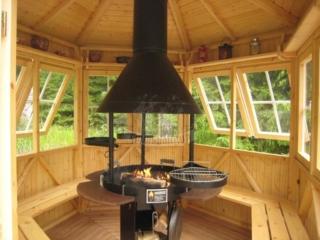 Гриль-домик из дерева